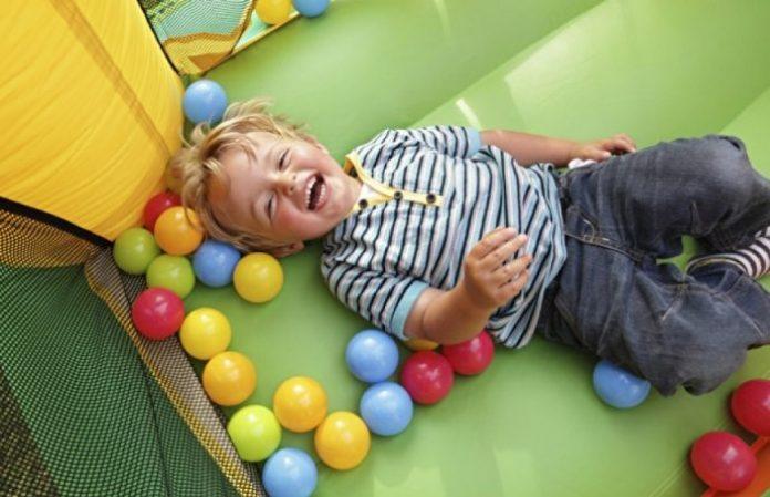 2 Ve 3 Yaş Döneminde Çocuğumla Hangi Oyunları Oynamalıyım?