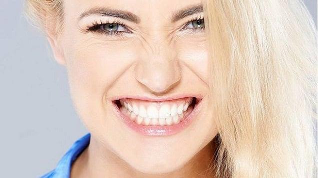 bruksizm-dislerde-asinma-ve-kirilmalara-neden-oluyor-1 Bruksizm Dişlerde Aşınma ve Kırılmalara Neden Oluyor!
