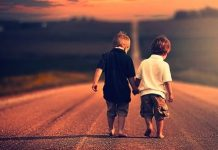 iki-dostun-hikayesi-218x150 Bilgikılavuzu