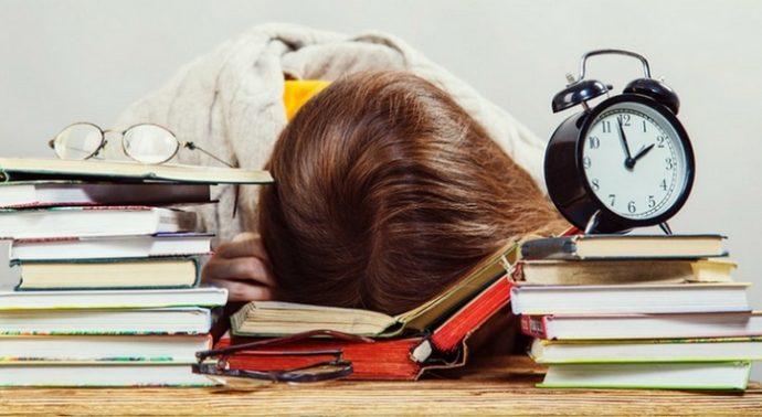 sinav-kaygisi-ile-nasil-basa-cikacagim-1 Sınav Kaygısı İle Nasıl Başa Çıkacağım?