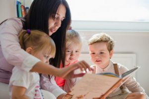 ocuklar-İçin-Kitap-Seçimi-Edu-Culture-MAGjpg-300x200 Çocuk Kitapları Seçiminde Dikkat Edilmesi Gerekenler