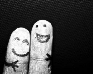 gercek-dostluk-nedir-300x240 Kendimizle Arkadaş Olmak