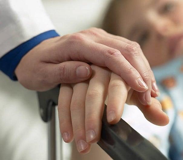 kanser-hastalarinda-gorulen-psikolojik-tepkiler-ve-psikososyal-onkolojinin-onemi-1 Kanser Hastalarında Görülen Psikolojik Tepkiler ve Psikososyal Onkolojinin Önemi