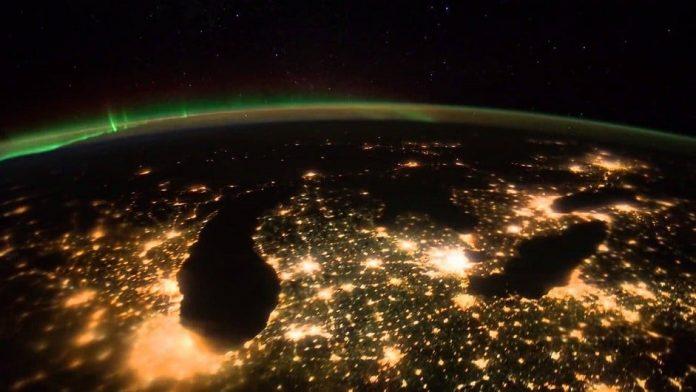 """Dünya'nın Gecesini Gündüzüne Karıştıran Kirlilik """"Işık Kirliliği"""""""