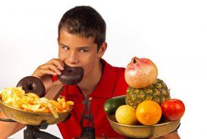 okul-cagi-beslenme-300x201 Ergenlik Döneminde Beslenme