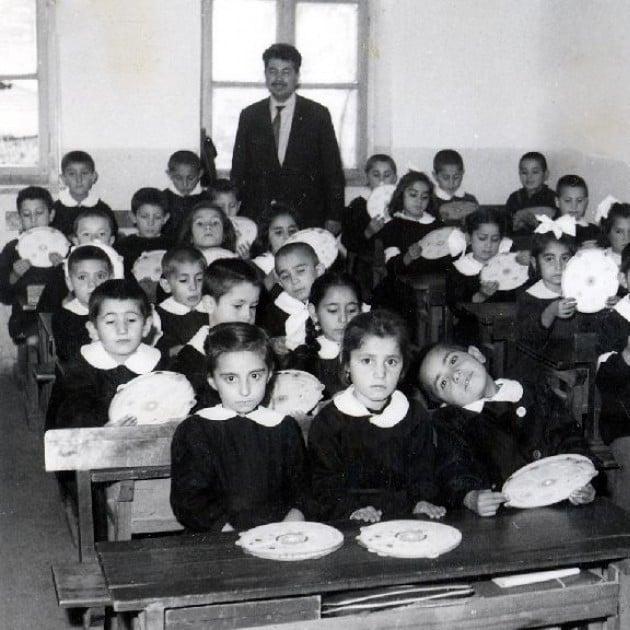 teacher Hayatın İçinden Gelen Bir Hayat Mesleği: Öğretmenlik