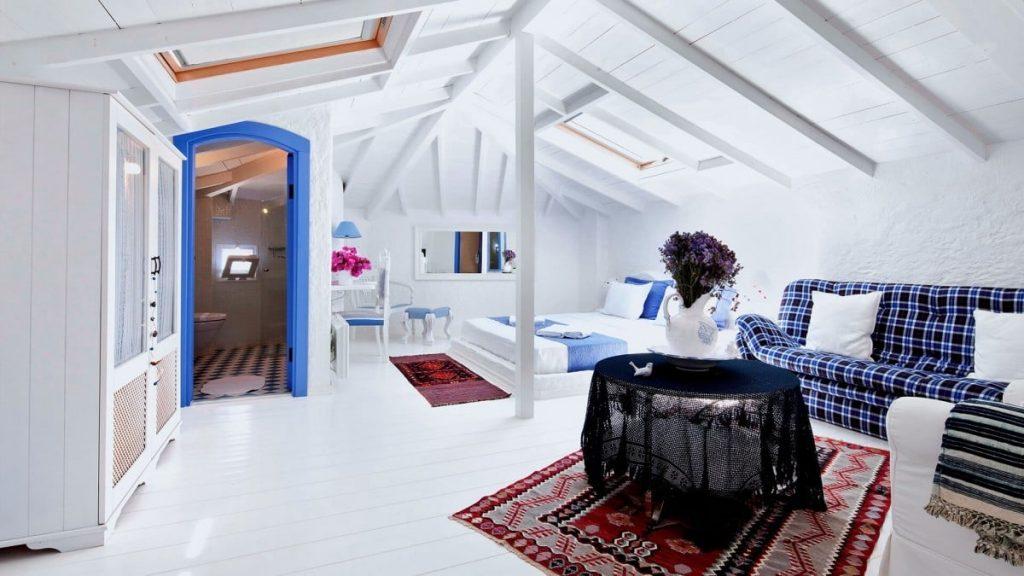 3614_9088_6378-tarcinli2_1-1024x576 Suların Mavi Aynası: Akdeniz Stili Dekorasyon