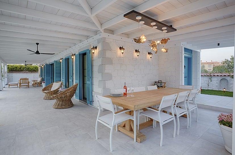 cesme-alacati-villa-dif-mobilya-5 Suların Mavi Aynası: Akdeniz Stili Dekorasyon